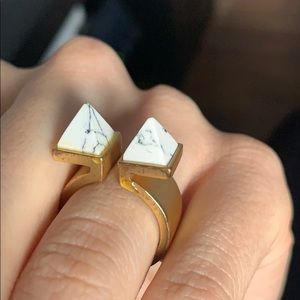 Funky Ring with 2 pyramids